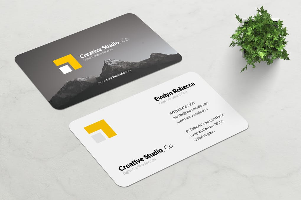 art director's pick of minimalist business card #4